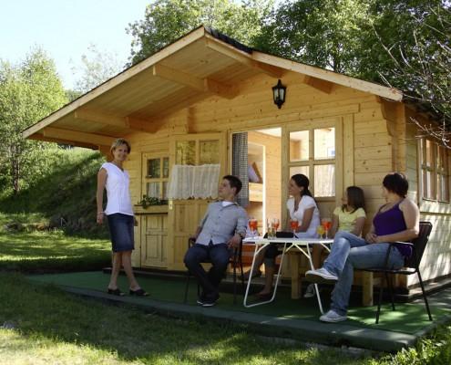 Blockhütten am Camping